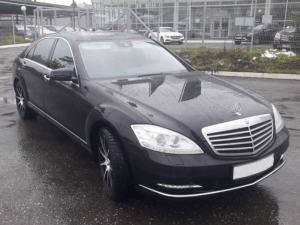 Mercedes-Benz-W221